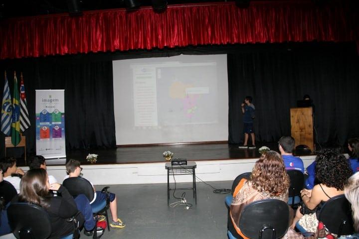 GIS Day Escola Monteiro Lobato 2015