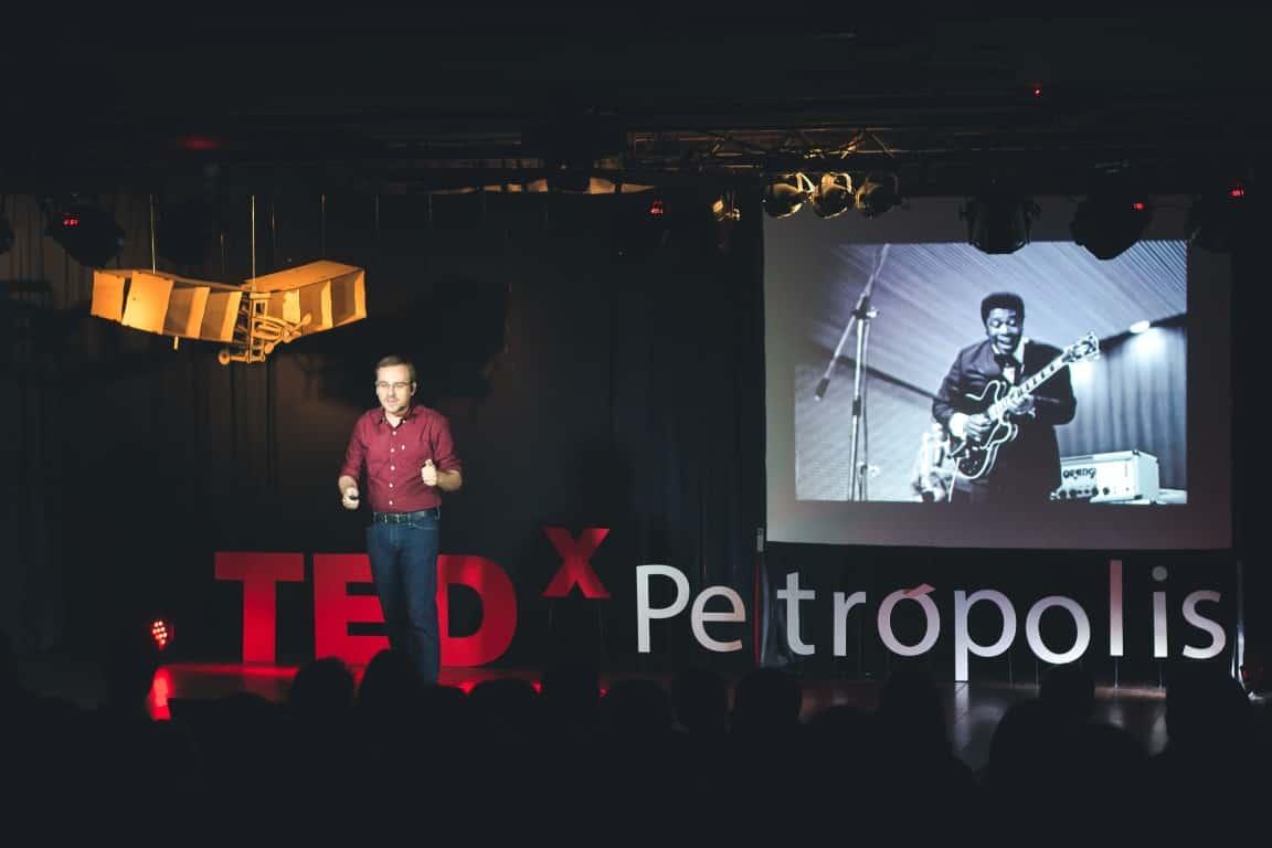 Cidades Inteligentes: Cidadãos Conscientes na era da Geografia das Coisas – TEDx Petrópolis